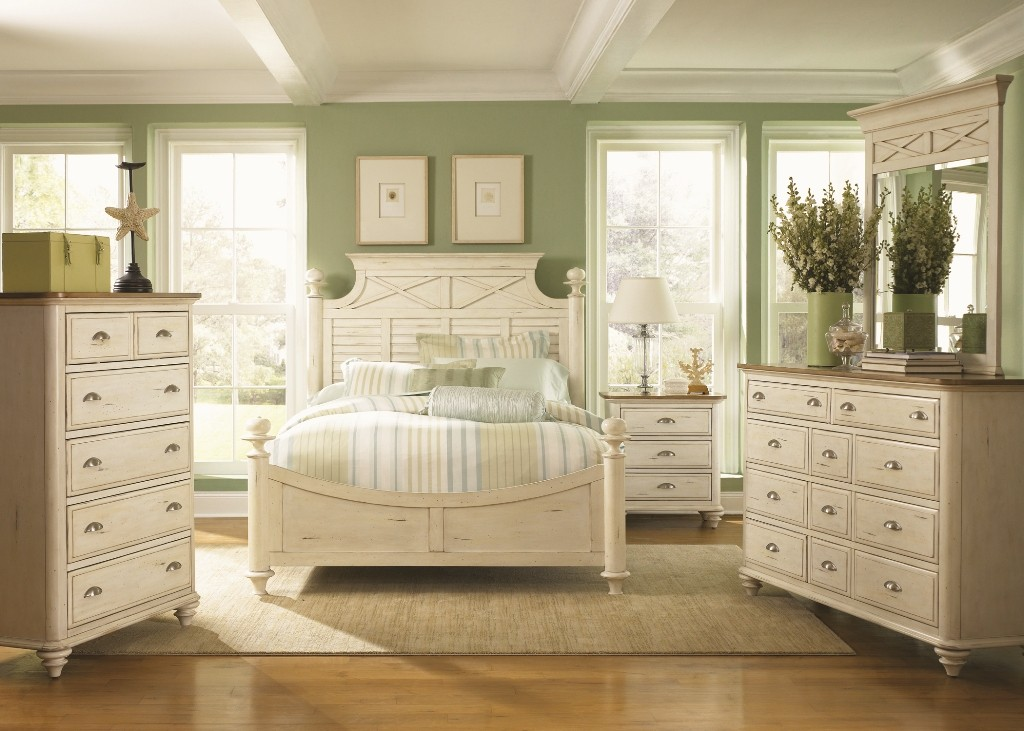 Antique white furniture the bucksaver - Images of white bedroom furniture ...